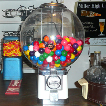 Beaver Gumball &quot;Big Bubble&quot; Machine - Coin Operated