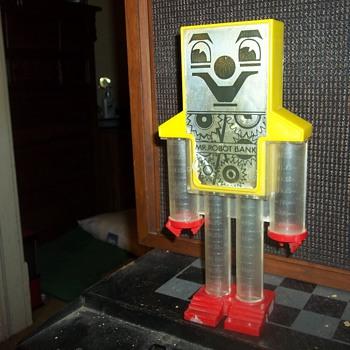 VINTAGE ROBOT BANK