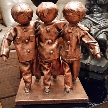 unique sculpture 3 children need help - Visual Art