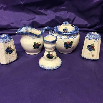 Set of matching spongeware pottery