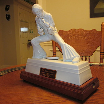 Elvis Presley Decanter...Music Box 1981 - Music