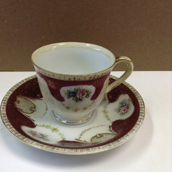 Tea Cups & Saucers - China and Dinnerware