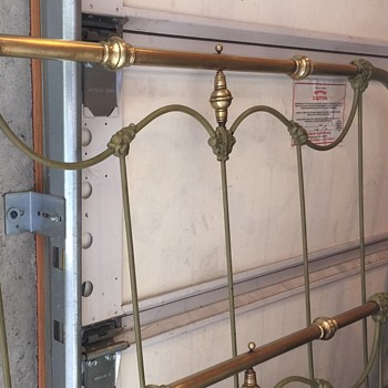 **UPDATE** BOSTON IRON & BRASS BED  1800's Gaslight Edition I Beleive