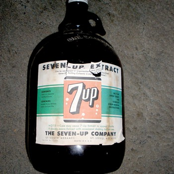 1958 7 UP extract bottle, brown, one gallon - Bottles