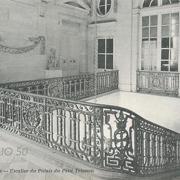 VERSAILLES – ESCALIER DU PALAIS DU PETIT TRIANON  - Postcards