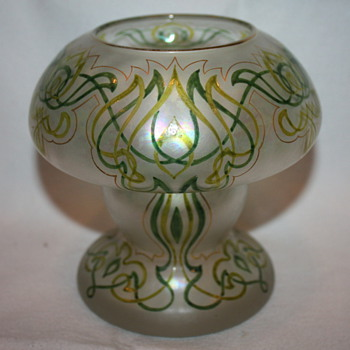 Honesdale Art Nouveau Vase c. 1910 - Art Glass