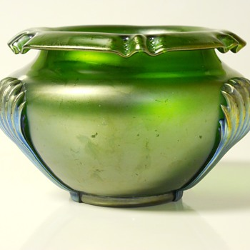 Kralik Glass Green Iridescent Art Nouveau 'Claw' Vase c1900