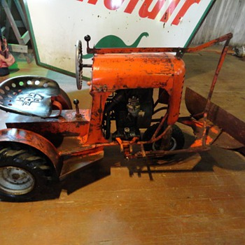 1956 Standard Co. Bantam model 5000 with snow blade - Tractors