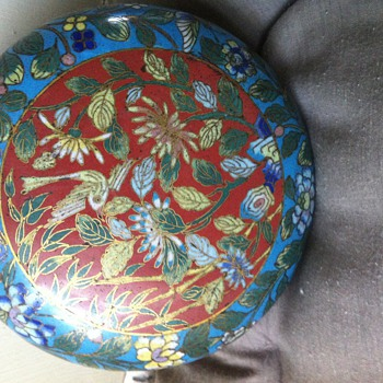 Asian cloisonné box, antique ? Chinese? Update: 19th/early 20th, chinese! - Asian