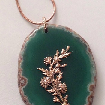 Help needed to find out if this is a jade pendant