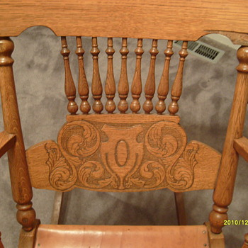 My $9 Oak Rockin Chair - Furniture