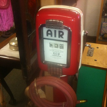 Old Restored Air Pump...40's or 50's... - Petroliana