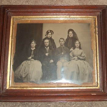 MAMMOTH plate ambrotype of Civil War soldier and Family - Photographs