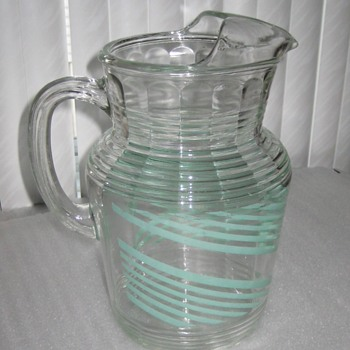 Depression glass Water pitcher