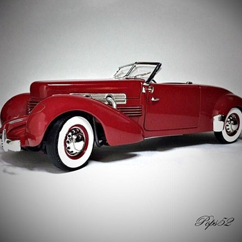 1937 Cord 812 Convertible Diecast - Model Cars