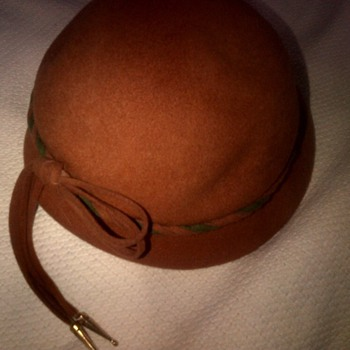 Vintage 1930's or 40's hat  - Womens Clothing