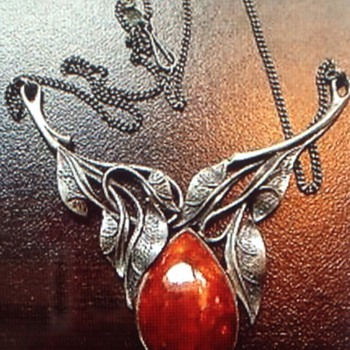 Amber silver necklace - Arts and Crafts
