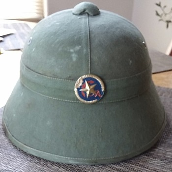 What kind of pith helmet is this? Please help. - Military and Wartime