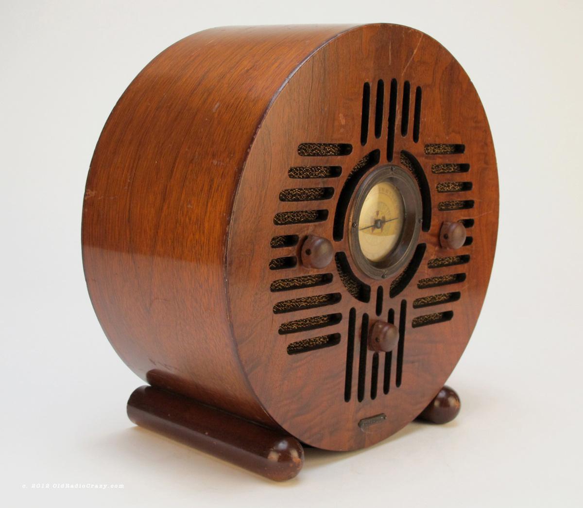 detrola wooden blue bird art deco tube radio collectors weekly. Black Bedroom Furniture Sets. Home Design Ideas