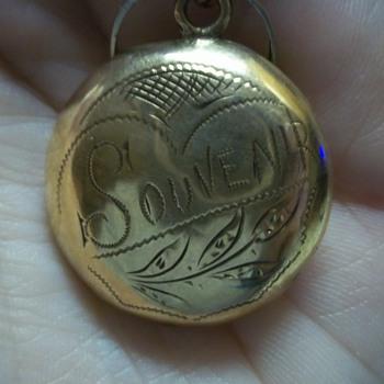 "Grandmother's pendant ""Souvenir"""