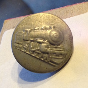 Railroad metal Train Button stamped 1913-1918 - Railroadiana