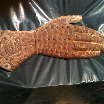 Cast iron glove hand