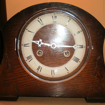 Anvil clock