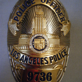 CLASSIC LAPD SERIES OVAL SHAPE SERIES 6 - Medals Pins and Badges