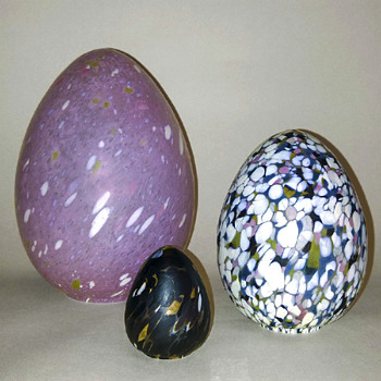 Monica Backström eggs for Boda - Art Glass