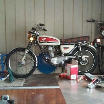 1972 Honda cb100