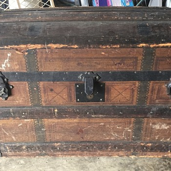 Antique rolling trunk from 1877