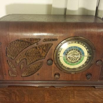 Truetone D 723 - Radios