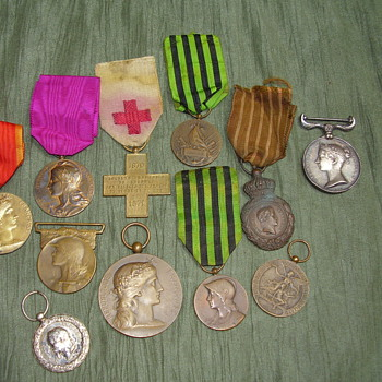 Old Medals with big question.... - Military and Wartime
