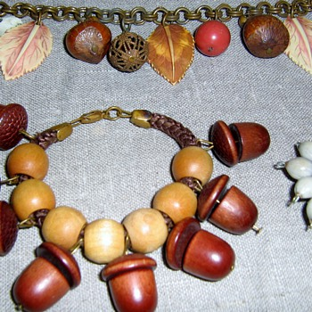 Wood and brass jewelry - Costume Jewelry
