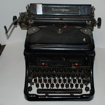 What a find !!! 1938 Remington Noiseless model 10 Typewriter Complete !! - Office