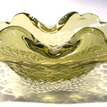 Art Glass Bowl ( Murano ??? )