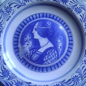 Italian ceramic portrait plates - Art Pottery