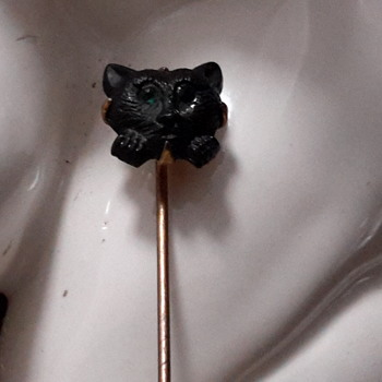 Cat stick pin  - Costume Jewelry