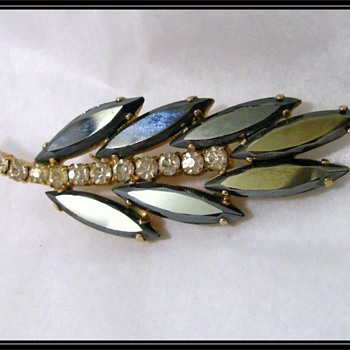 My Mom's Brooch - Vintage Black Onyx - Costume Jewelry