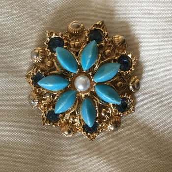 Brooch late granmothers