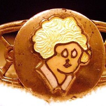 Need help with this Little Orphan Annie Bracelet - Costume Jewelry