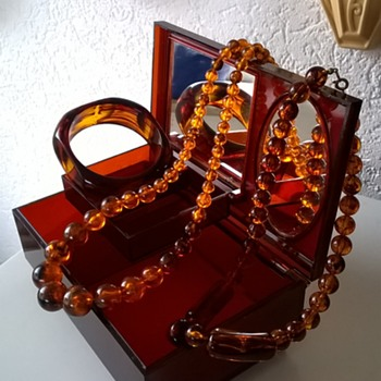1950s Faux Tortoise Shell Jewelry Box Thrift Shop Find 1 Euro ($1.08) - Costume Jewelry