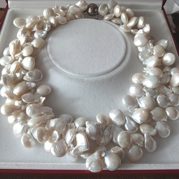 Chinese white/beige Blister pearl Necklace