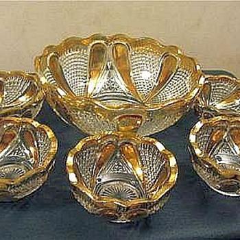 U. S. Glass Blazing Cornucopia aka Paisley Berry Set Gold Stain, 1913 - Glassware