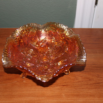 Fenton Marigold 3 footed bowl - Glassware