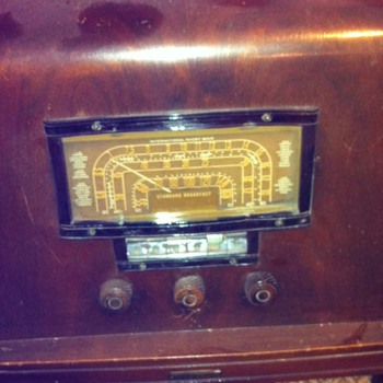 RCA floor model tube radio