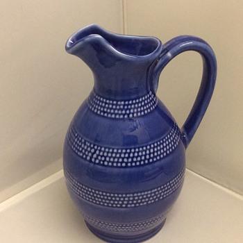 21 cm high stoneware jug