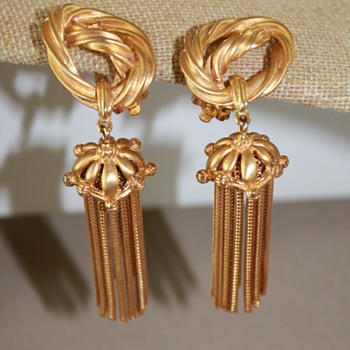 Schiaparelli Tassell Earrings and Bracelet - Costume Jewelry
