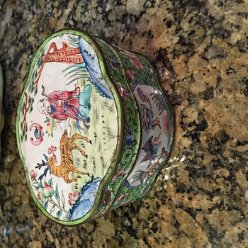 Old Chinese porcelain tin