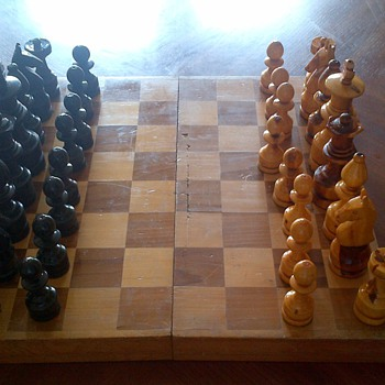 what era is this chess set  from? - Games